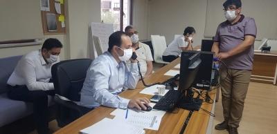 İl Sağlık Müdürü  Kovit-19 çağrı merkezinde incelemelerde bulundu.