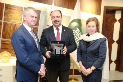Kanada Büyükelçisi Cooter Şanlıurfa Büyükşehir Belediyesini Ziyaret Etti