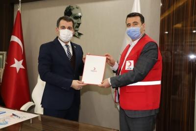 Karaköprü Belediyesi ile Kızılay'dan gıda yardımı