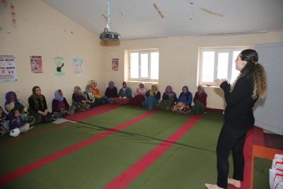 Karaköprü Kırsalındaki Kadınlara Kanser Ve Sağlıklı Beslenme Eğitimleri Sürüyor