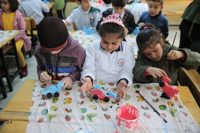 Karaköprü'de Çocuklar Kendi Oyuncağını Kendisi Yapıyor