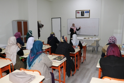 Karaköprü'de Kadınlar Kurslarla Meslek Ediniyor