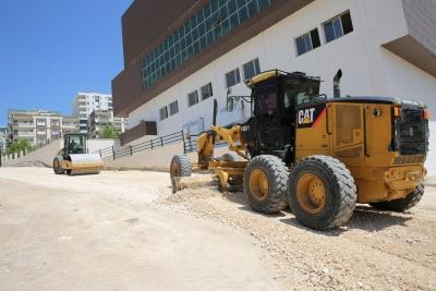 Karaköprü'de yeni yollar için çalışmalar sürüyor