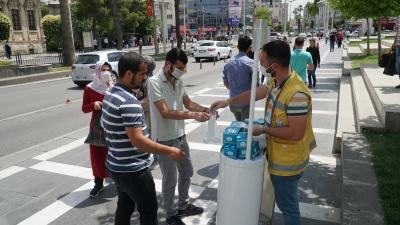 'KONTROLLÜ SOSYAL HAYAT' İÇİN ÜCRETSİZ MASKE DAĞITIMI SÜRÜYOR