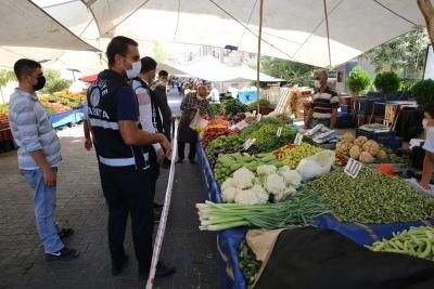 PAZAR YERLERİNDE 'SALGIN' DENETİMLERİ SÜRÜYOR