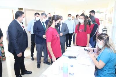 Şanlıurfa Liselerinde Yeni Tip Koronavirüs (Kovid-19) Tedbirleri Kapsamında Velilerinin Onayıyla Öğrenciler Aşı Olmaya Başladı.