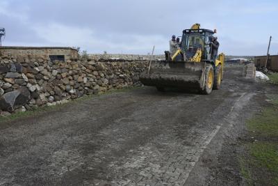 Siverek kırsalı çamur ve tozdan arındırılıyor