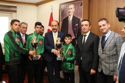 Suruçlu Şampiyonlar Avrupa'da Türkiye'yi Temsil Edecek