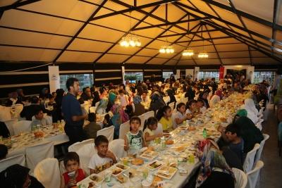 Yetimler Eyyübiye Belediyesinin İftarda Bir Araya Geldi