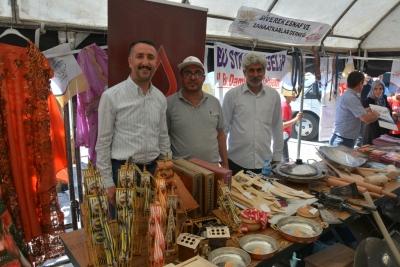 Yöresel ürünler pazarı kuruldu