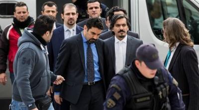 Yunanistan, darbe girişiminden sonra ülkeye kaçan askere sığınma hakkı verdi